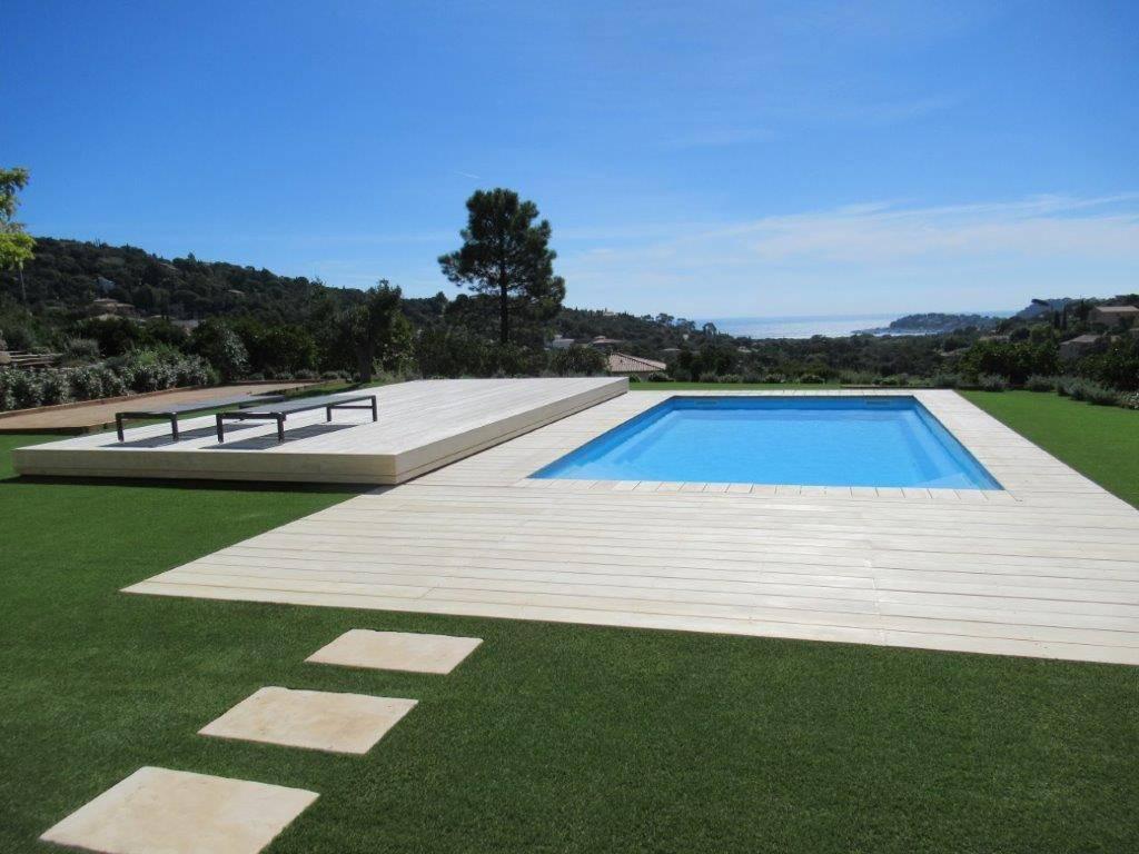 piscine coque celestine 8 alliance piscines avec plage. Black Bedroom Furniture Sets. Home Design Ideas