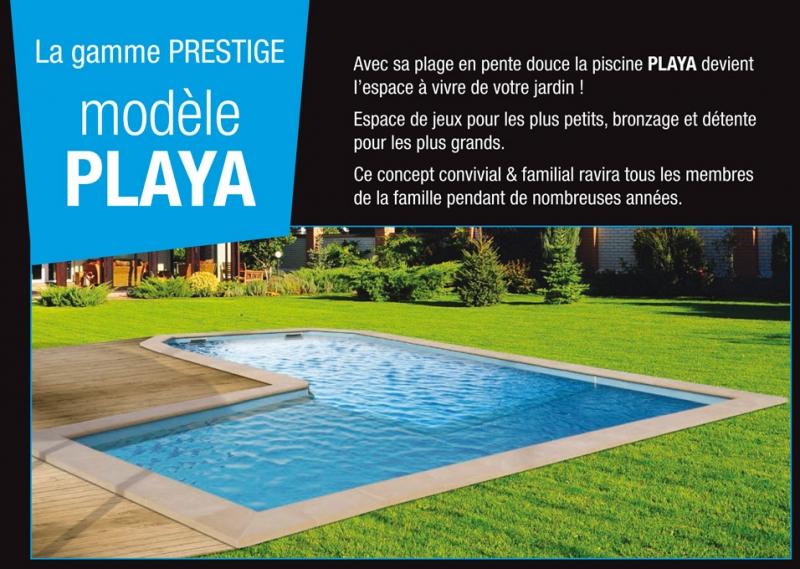 la playa piscine coque avec grande plage californienne. Black Bedroom Furniture Sets. Home Design Ideas