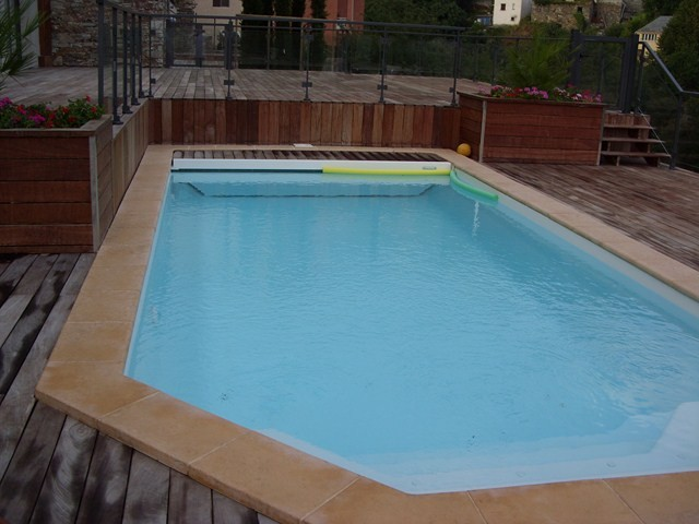 piscine coque avec volet fond plat hors sol alliance piscines toulon magasin et installation. Black Bedroom Furniture Sets. Home Design Ideas