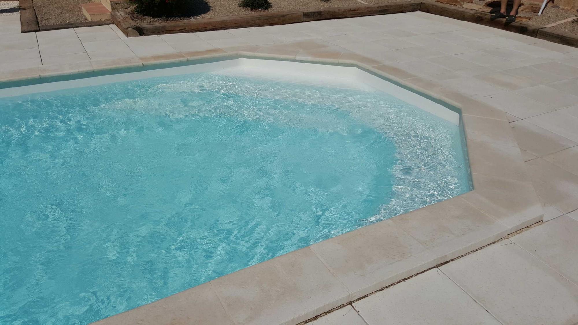 coque piscine 72