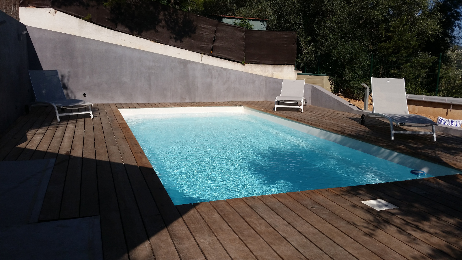 piscine kryptonite 7 install e sur toulon ouest par notre. Black Bedroom Furniture Sets. Home Design Ideas